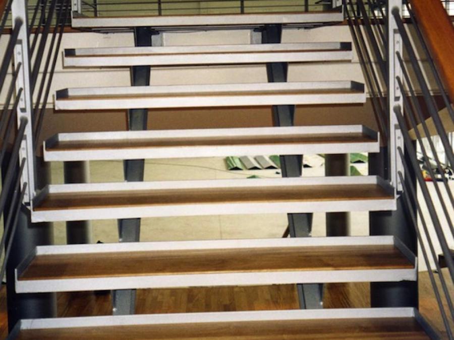 Rivestimenti in legno per scale bizioli legno