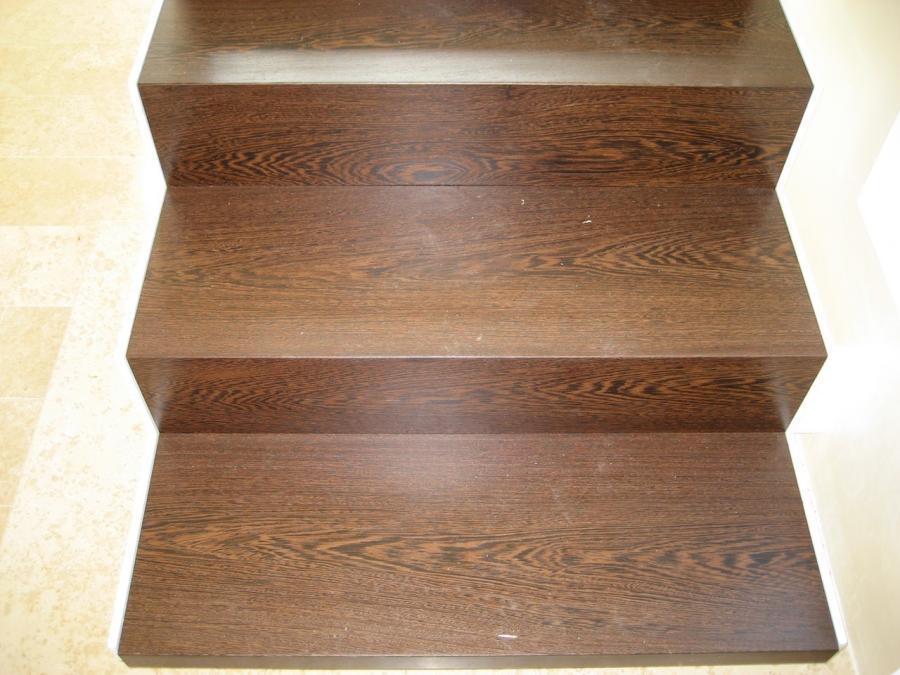 Rivestimenti in legno per scale bizioli legno for Passatoie per scale legno